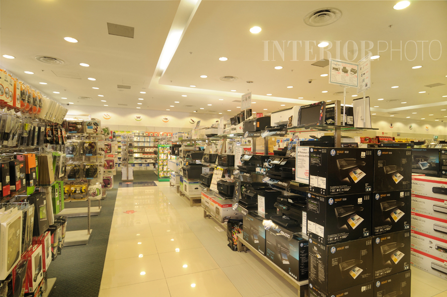 retail-store-design-computer-accessories-shop.jpg